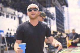 Cole Swindell Drinkin' Hours
