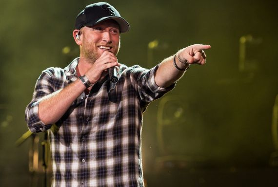 Cole Swindell; Photo by Andrew Wendowski