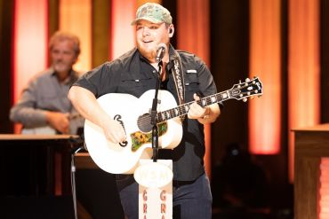 Luke Combs; Photo by Chris Hollo