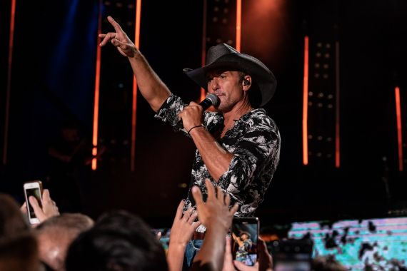 Tim McGraw; Photo by Andrew Wendowski 2