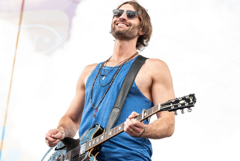 Ryan Hurd; Photo by Andrew Wendowski