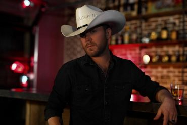 Justin Moore; Photo by Cody Villalobos