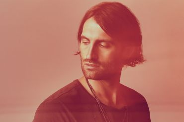 Ryan Hurd; Photo by Matthew Berinato