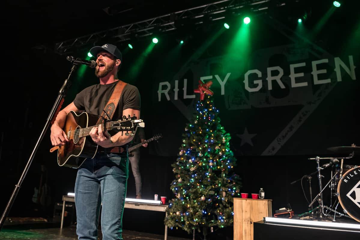 Riley Green; Photo by Andrew Wendowski
