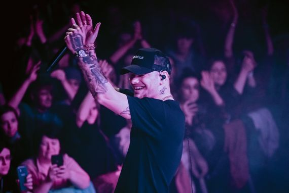 Kane Brown; Photo by Alex Alvga